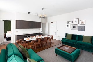42 St Andrews Square 10361 - Featured Image