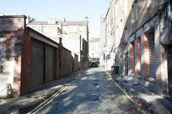 P240: Queensferry Street Lane, West End, Edinburgh