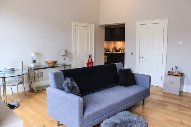 Property Image 2 for 15/4  York Place East New Town and Hillside Edinburgh