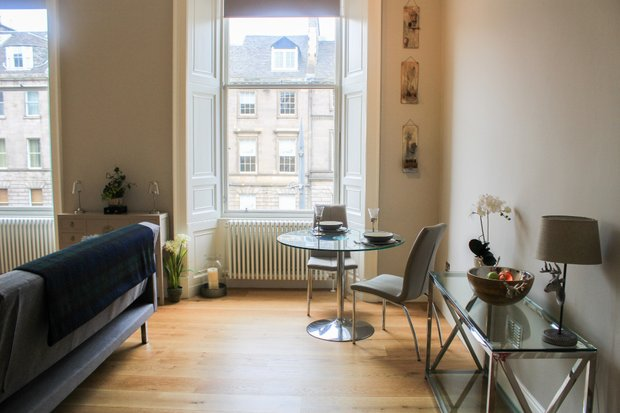 Property Image 3 for 15/4  York Place East New Town and Hillside Edinburgh