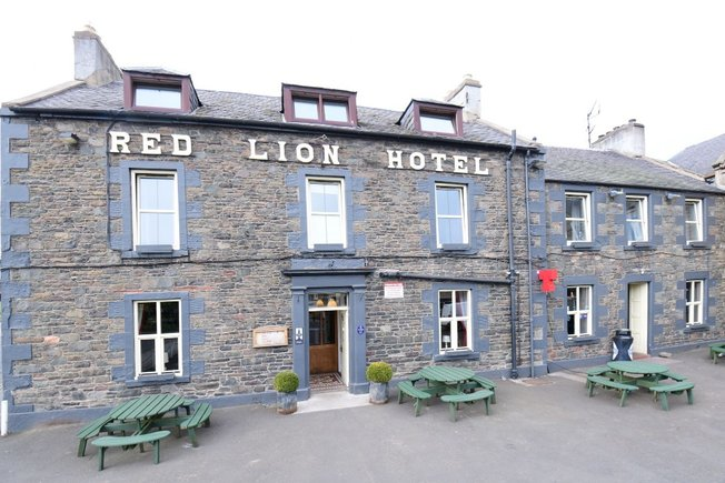 Red Lion Hotel  The Square