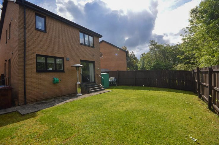 P1341: Macneill Gardens, East Kilbride, South Lanarkshire